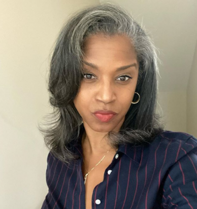 52-year-old woman, Rolanda Rochelle photos break the Internet